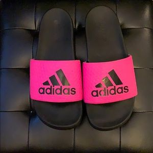 Adidas hot pink cloud foam slides